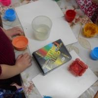 Фотоотчет «Делаем цветные льдинки»
