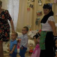 Сценарий развлечения «День мам», посвященного Дню матери, для детей второй младшей группы