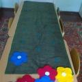 Дидактическая игра для детей младшего дошкольного возраста «Цветочная поляна»