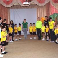 Физкультурное развлечение с родителями «Неразлучные друзья— взрослые и дети!» для детей подготовительной группы
