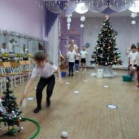 Фотоотчет о проведении физкультурных развлечений на зимнюю тематику с детьми среднего и старшего дошкольного возраста (в зале)