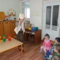 НОД по познавательному развитию («Действия с предметами») «Кошка Мурка у ребят» во второй группе раннего возраста