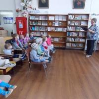 Фотоотчет о сотрудничестве с библиотекой детей второй младшей группы