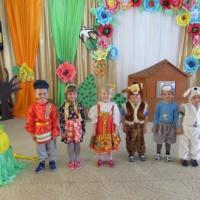 Доклад из опыта работы «Театральная деятельность как средство обучения детей второму языку в младшей билинвальной группе»