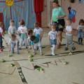 Конспект физкультурного развлечения «В лес весенний мы пойдем, Чудо-дерево найдем» во второй группе раннего возраста
