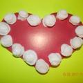 «Сердечко с розочками». Поделка из картона и ватных дисков. Мастер-класс
