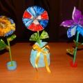 «Цветочек для мамочки» из бросового материала. Мастер-класс
