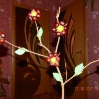 Мастер-класс «Каштановые цветы и гусеничка» для украшения интерьера группы