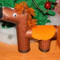 Мастер-класс «Лошадка». Экологически чистые игрушки из бросового материала