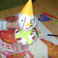 Детский мастер-класс «Снеговик из полосок бумаги»