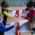 Конспект ООД с элементами нетрадиционного рисования для детей младшей группы «В поисках Кисточки»