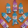 Мастер-класс «Праздничная упаковка шоколадки-снеговик»