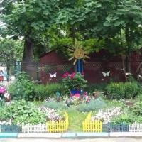 «Цветочное вдохновение». Оформление участка детского сада