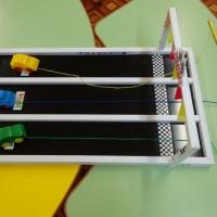 Игровое дидактическое пособие для развития мелкой моторики рук для детей младшего дошкольного возраста «Авторалли»