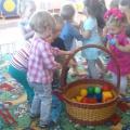 Сценарий развлечения для детей первой младшей группы «Мы встречаем праздник— лето!»
