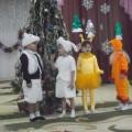 Сценарий новогоднего утренника в старшей группе детского сада «Зимой и летом одним цветом»