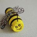 Пчелка из пластиковой бутылки
