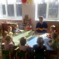 Фотоотчет— Сажаем лук с малышами