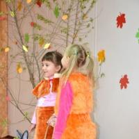 Сценарий праздничного мероприятия в младшей группе «Осенние приключения»