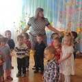 Сценарий осеннего праздника для детей первой младшей группы «Топотушки в гостях у Петрушки»