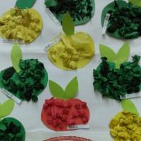 Коллективная работа «Урожай. Яблоки созрели» во второй младшей группе
