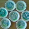 Мастер-класс по декорированию одноразовой тарелки «Цветущая сакура»