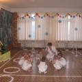 Сюжетно–игровое физкультурное занятие-развлечение «Заюшкина избушка» во второй младшей группе