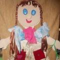 Кукла Маша (игра для развития мелкой моторики)