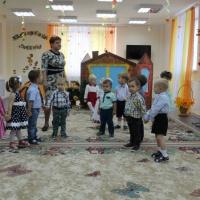 Сценарий осеннего развлечения для детей первой младшей группы