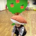Развлечения в детском саду в рамках Международного дня толерантности. Показ сказки В. Сутеева «Под грибом» (фотоотчет)