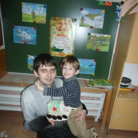 Мастер-класс для родителей и детей по изготовлению поделки из бросового материала ко Дню защитника Отечества
