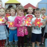Мастер-класс по изготовлению открытки к Дню матери «Аленький цветочек для мамочки»