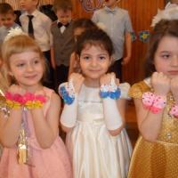 «Весенние бабочки». Мастер-класс от мальчиков подготовительной группы по изготовлению подарков для девочек к 8 Марта