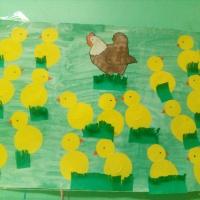 Фотоотчет о коллективной работе в первой младшей группе «Курочка с цыплятами»