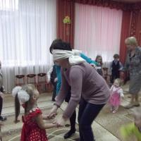 Сценарий развлечения, посвящённого Дню матери «Мама— солнышко моё!» для старших и подготовительных групп