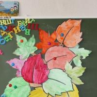 Коллективная работа «Осеннее дерево» с детьми старшей группы. Фотоотчет