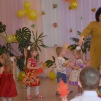 Фотоотчёт о развлечении для детей второй младшей группы «Осенние гости»