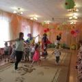 День здоровья «У нас в гостях веселые клоуны» для детей младшего дошкольного возраста