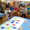 Совместная работа родителей, воспитателей и детей по подготовке к празднованию 8 Марта (фотоотчет)