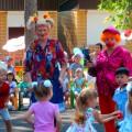 Сценарий развлечения к 1 сентября «Клёпа и Кнопа на празднике у ребят»