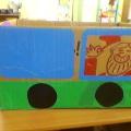 Автобус из картонной коробки