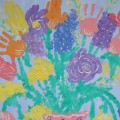 «Поздравительная открытка для наших мам» (коллективная работа детей подготовительной группы)