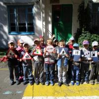 Фотоотчет. Тематическая неделя по безопасности в старшей группе «Детям знать положено правила дорожные»