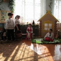 Фотоотчет о постановке спектакля по мотивам русской народной сказки «Гуси-лебеди»