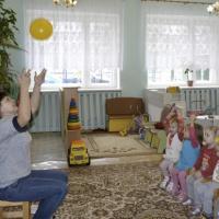 Чтение художественной литературы в первой младшей группе «Чтение и разучивание стихотворения А. Барто «Мячик»