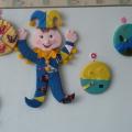 Дидактическая игрушка «Веселый Петрушка»