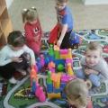 Конструирование в младшей группе «Строим замок по сказке»