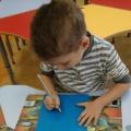 Конспект занятия «Рисование березы с использованием манной крупы»