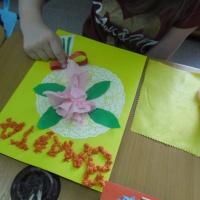 Детский мастер-класс «Букет цветов для мам»