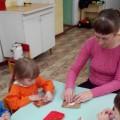 Занятие по пластилинографии с детьми младшего дошкольного возраста «Снегири»